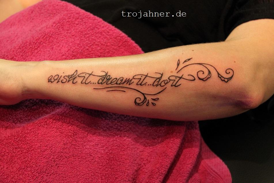 Unterarm Tattoo Frau Schrift Hylen Maddawards Com